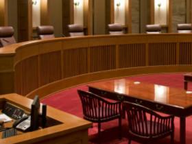 突出审判质量 具象个体考核 完善审判绩效考核机制